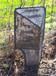 Weston-under-Penyard (Weston Parish) mile marker - 2 miles to Ross
