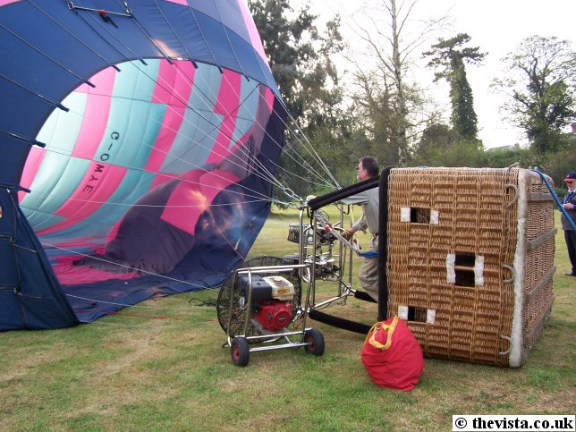 http://www.ross-on-wye.com/images/places/ross/air_balloon/hot_air_balloon.jpg