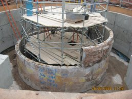 The top of the falling shaft partially removed (26-06-08)