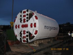 The tunnelling machine on the lorry (30-01-08)