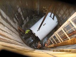 The tunnelling machine in the shaft (31-01-08)
