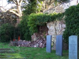 The collapsed end wall (27-1-08)