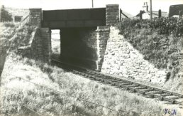 The A40 crossing the Ross Monmouth Line