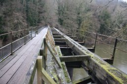 Welsh Bicknor rail Bridge (03-01-2011)