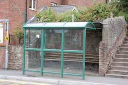 The bus shelter in place of the bridge (17-8-08)