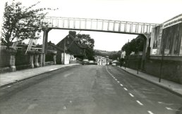 The bridge seen from Cantilupe Road