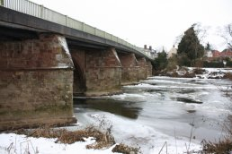 Ice on the upper side of Wilton Bridge