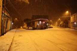 Cantilupe Road and Henry Street in the snow
