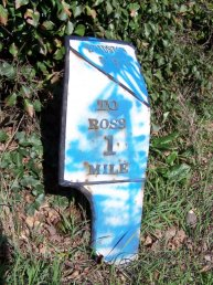 Bridstow Parish mile marker - 1 mile to Ross
