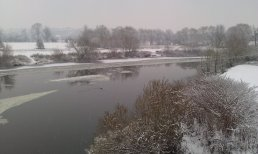 Partially frozen River Wye